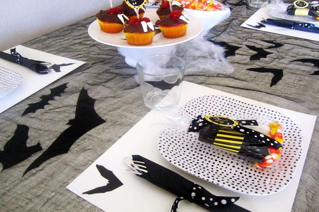 Halloween party ideas from #peartreegreetings! #halloween #bats #party