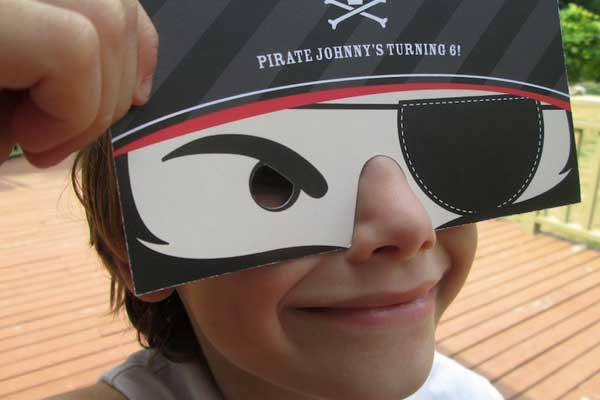 Kids pirate party ideas from #peartreegreetings! #pirate #birthday #halloween