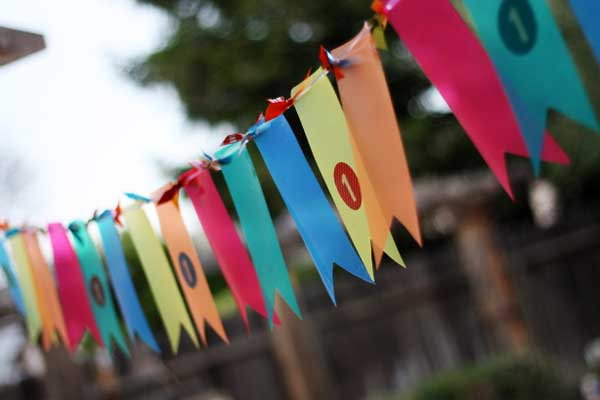 Rainbow bright kids birthday party ideas #peartreegreetings #kids #birthday #rainbow