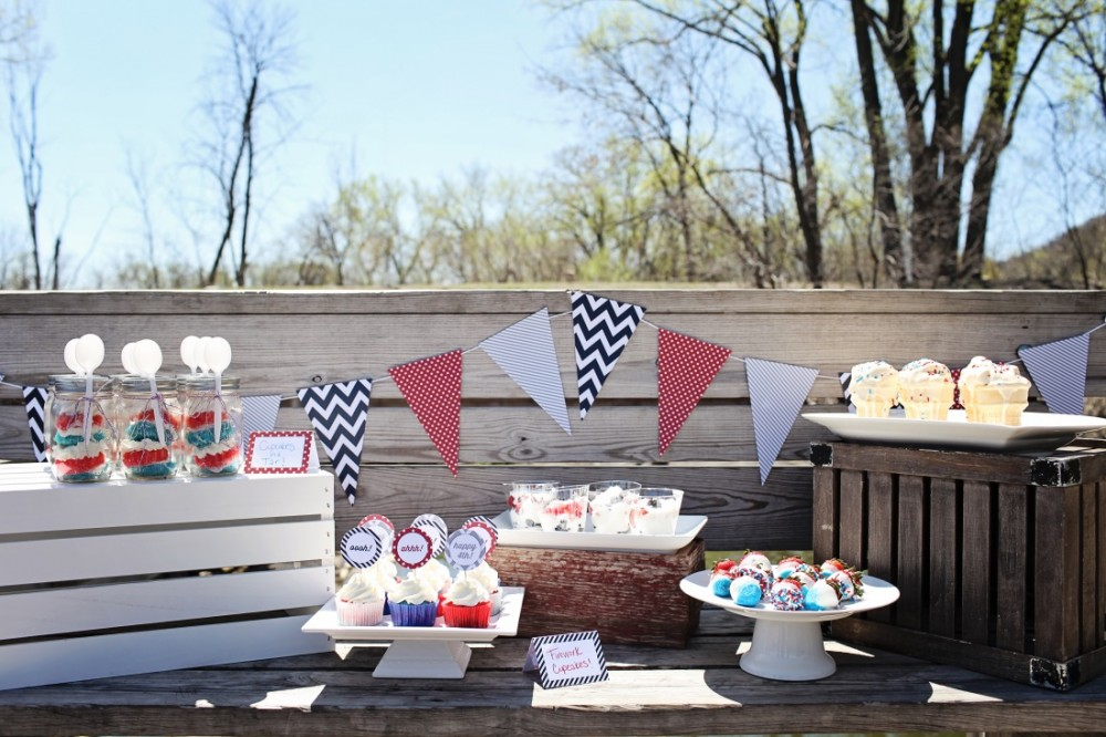 4th of July Ideas: Picnic by the Lake