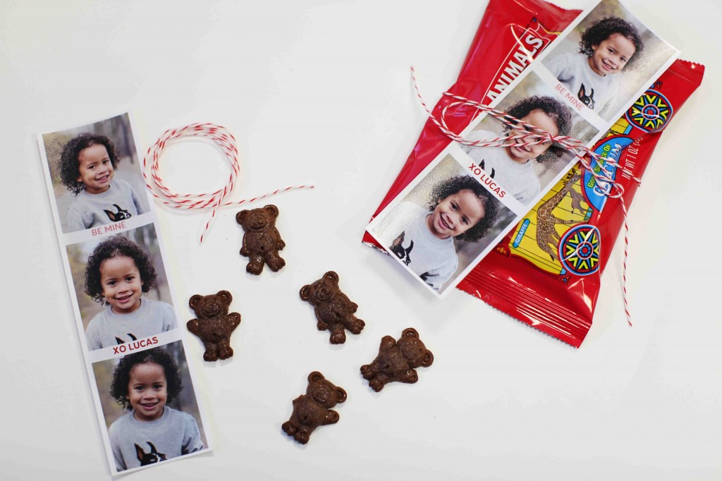 Top 10 Kids Valentine Ideas: Photo Booth Valentine + Crackers #peartreegreetings #valentinesdayideas