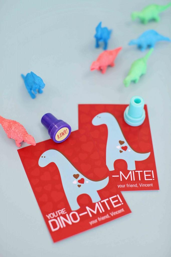 Top 10 Kids Valentine Ideas: Dino-Mite Valentine + Dinos #peartreegreetings #valentinesdayideas