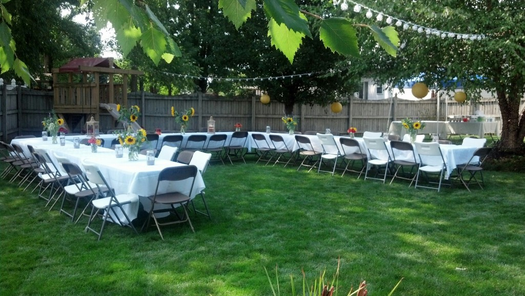 Graduation Party Ideas on a Budget #peartreegreetings #graduation