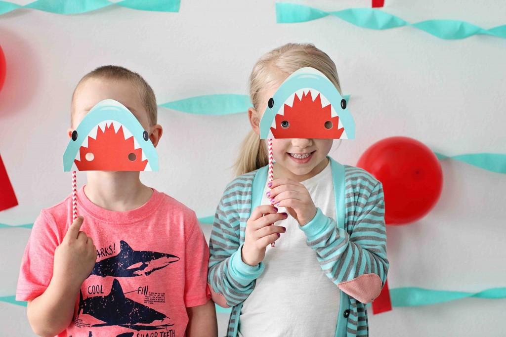 Shark birthday party ideas from #PearTreeGreetings! #kidsbirthdaythemes #birthdayparty #kidsbirthday
