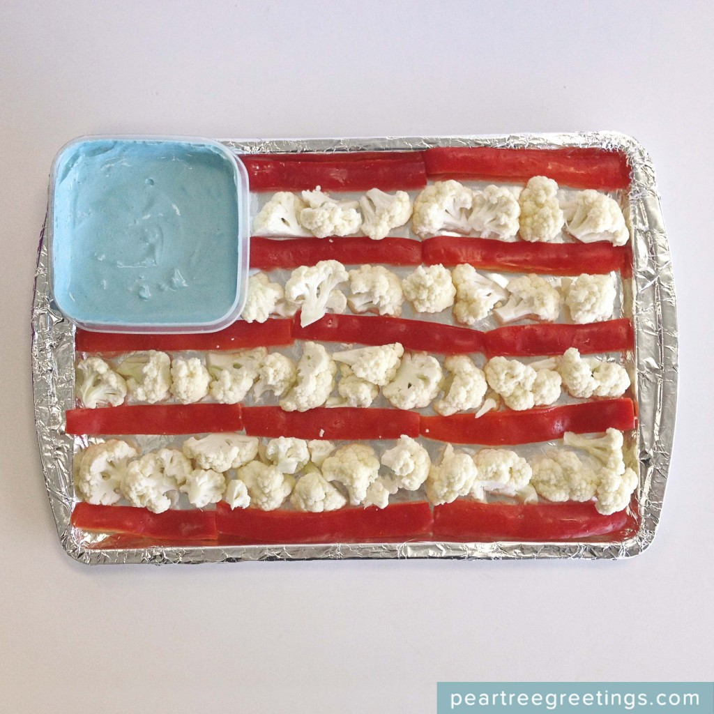 4th of July Food Ideas: American Flag Veggies #4thofJuly #partyideas #foodideas #peartreegreetings