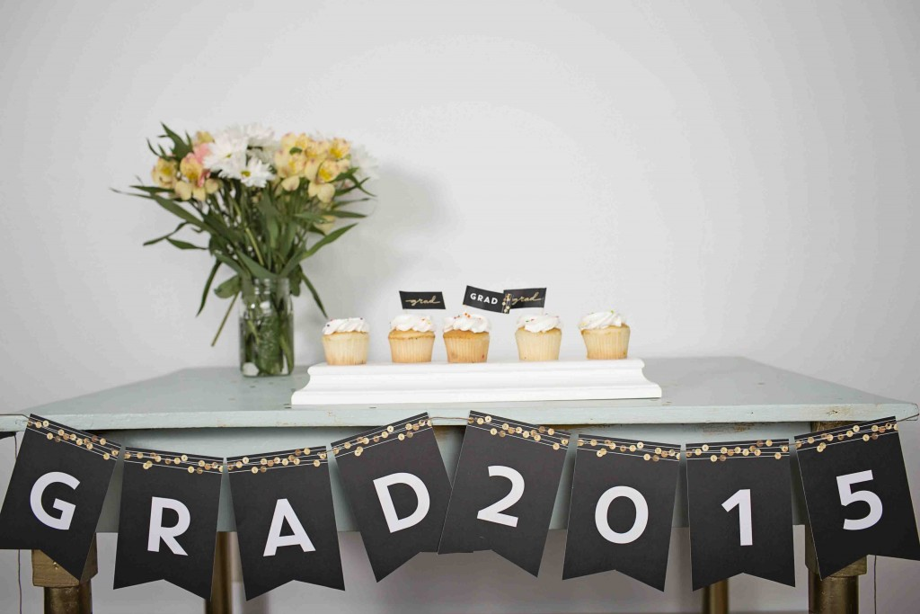 Graduation decorating ideas: bunting banners