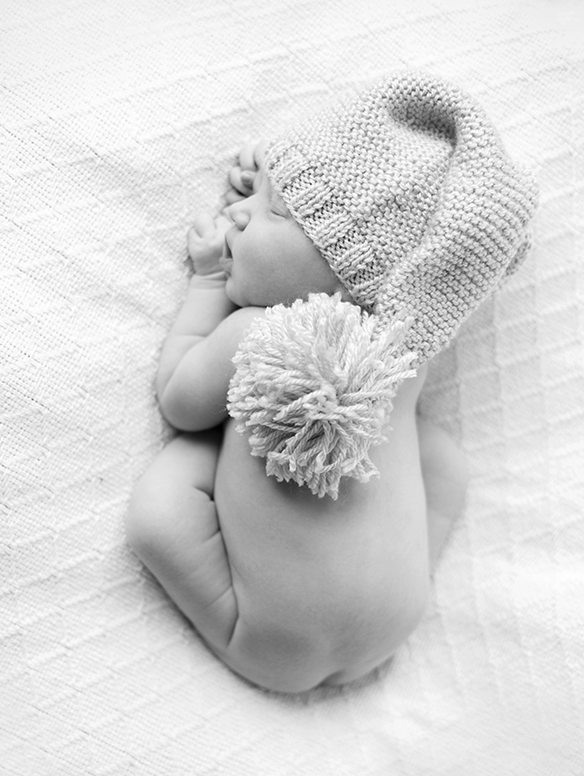 we've found that hats make some of the best baby photo ideas. Take a peek at our darling newborn photo-finds and get inspired!